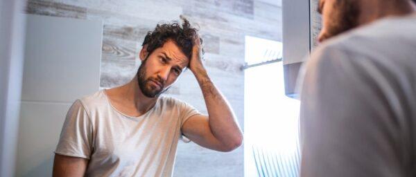 男性の抜け毛の対処法4選|抜け毛の原因と相談先を紹介